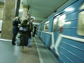 В результате неисправностей в Бакметрополитене остановилось движение поездов