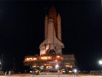 "НАСА перенесло посадку шаттла ""Дискавери"" из-за плохой погоды"