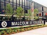 Колледж в Чикаго закрыт из-за надписи на стене